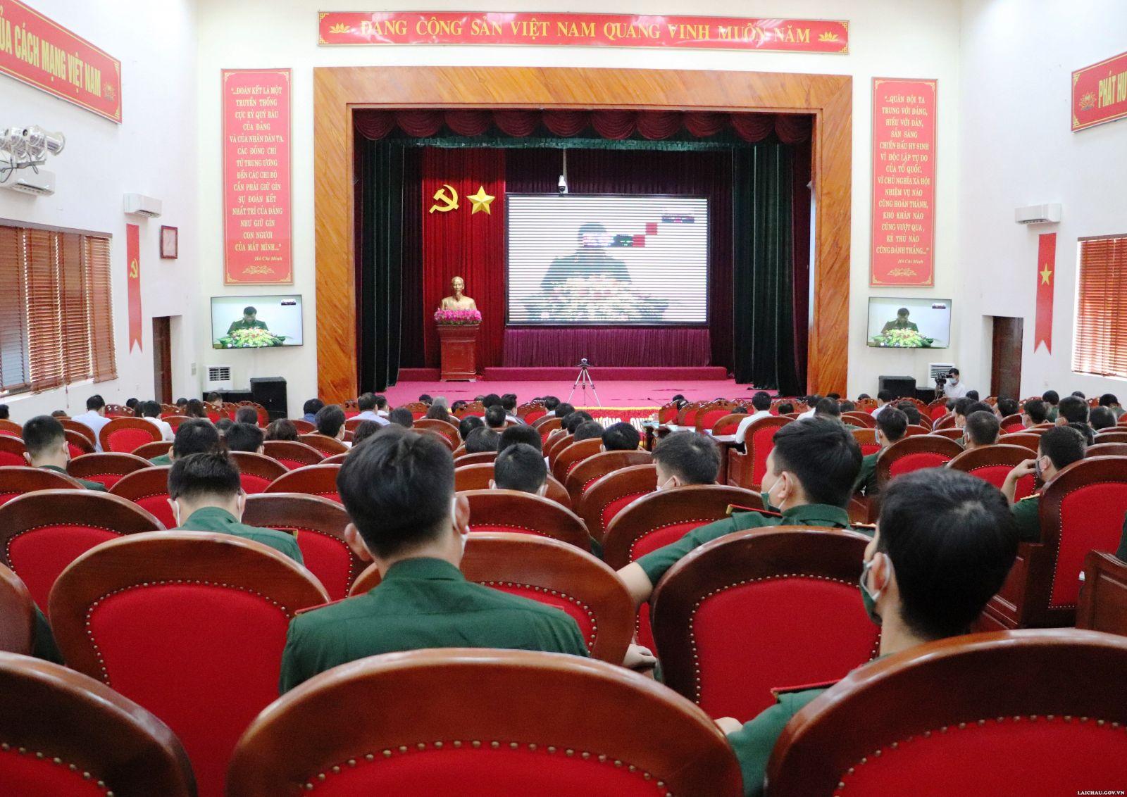 Hội nghị trực tuyến toàn quốc tập huấn Luật Dân quân tự vệ và Luật lực lượng dự bị động viên.